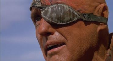 """Deacon alias le """"Diacre"""" (Dennis Hopper) dans Waterworld"""