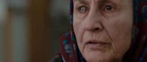 Mrs. Ganush (Lorna Raver) dans Jusqu'en Enfer
