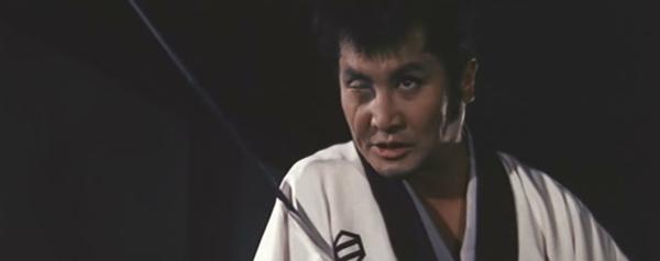 Tange Sazen (Kinnosuke Nakamura) dans Samouraï sans honneur (1965)