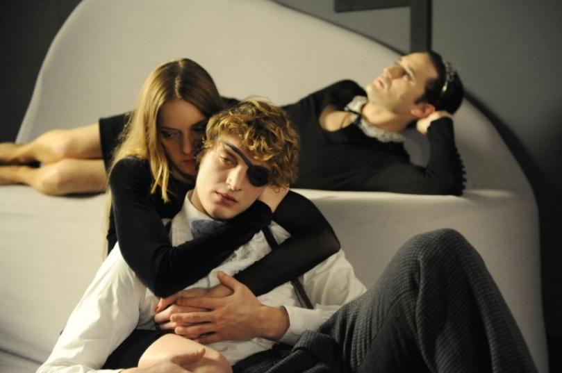 Matthias (Niels Schneider) dans Les rencontres d'après minuit