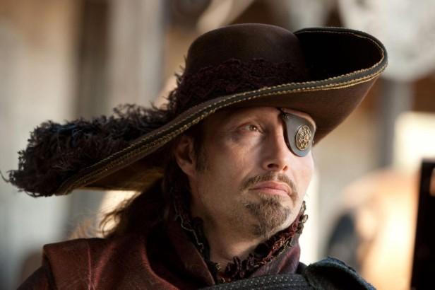 Rochefort (Mads Mikkelsen) dans Les trois mousquetaires (2010)