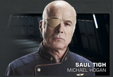 Saul Tigh (Michael Hogan) dans Battlestar Galactica : the plan