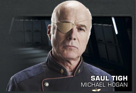 Saul Tigh (Michael Hogan) dans Battlestar Galactica : the plan
